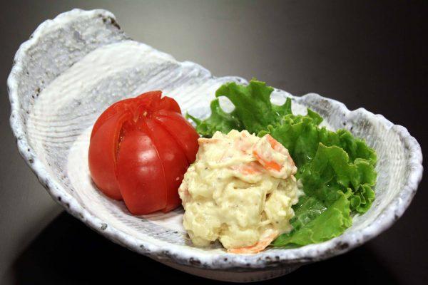 冷やしトマトとポテトサラダ