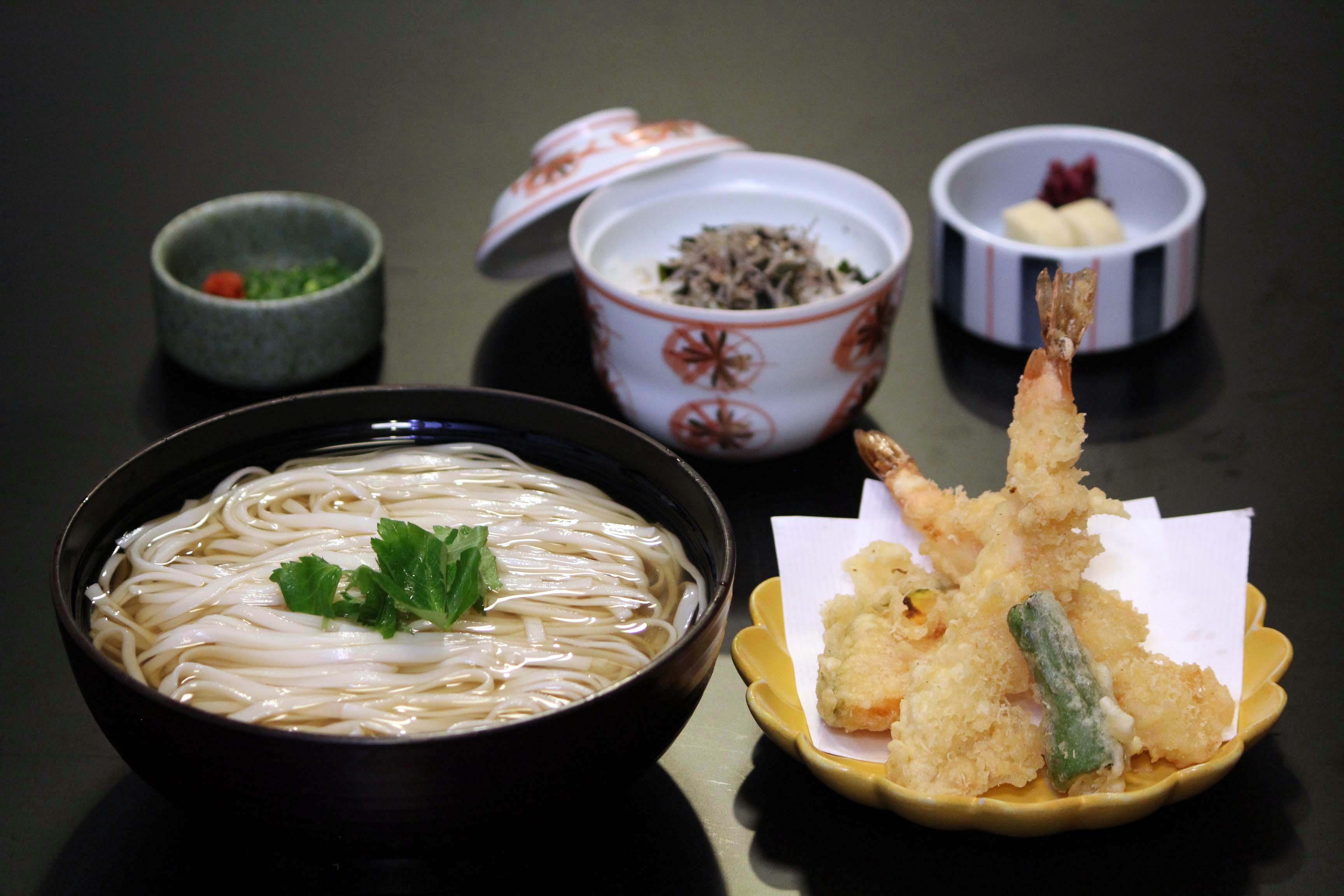 稲庭うどん定食(天ぷら付)