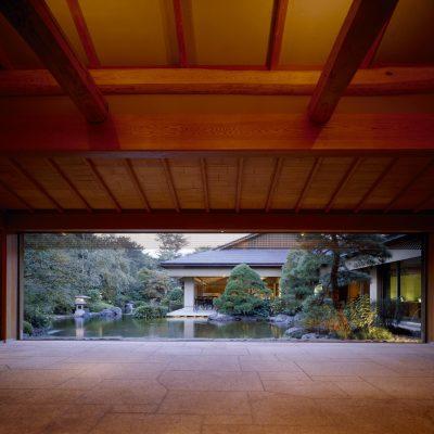 昭和の森車屋 玄関ロビー