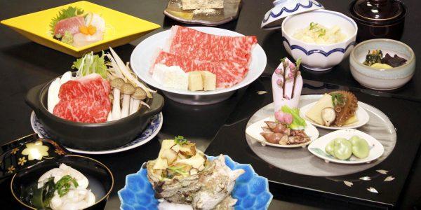 栄螺壺焼とすき焼小鍋会席